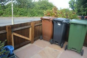 Botley wheelie bins