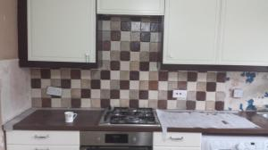 Kitchen splashback brown patern