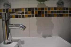 Botley bathroom wall tiles