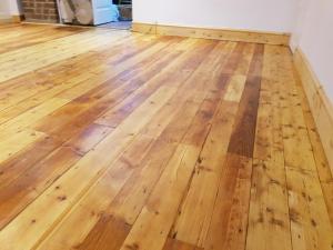 Botley livingroom extra space floor